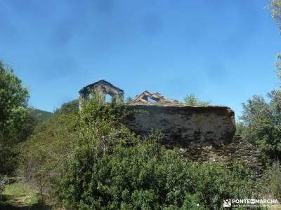 Cascadas del Aljibe - Arquitectura Negra;viajes semana santa camino smith viajes a madrid ruta cares